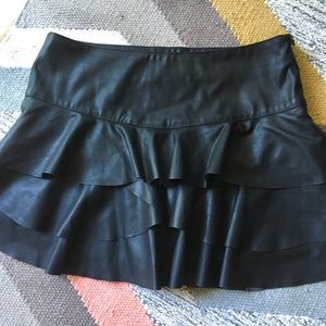 Black mini skirt with ruffles/ medium- side zipper
